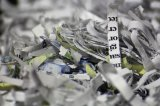 zniszczony w zniszczarce papier