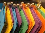 kolorowe teczki z nadrukiem